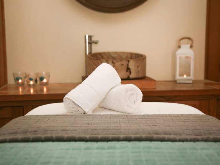 Treatment-bed-gallery-Poppinghole-Farm-Spa