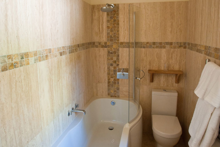 Old-Spot-Bed-One-Ensuite-1